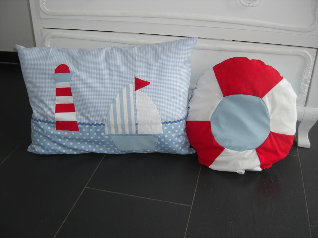 kissen maritim lotte und leo. Black Bedroom Furniture Sets. Home Design Ideas